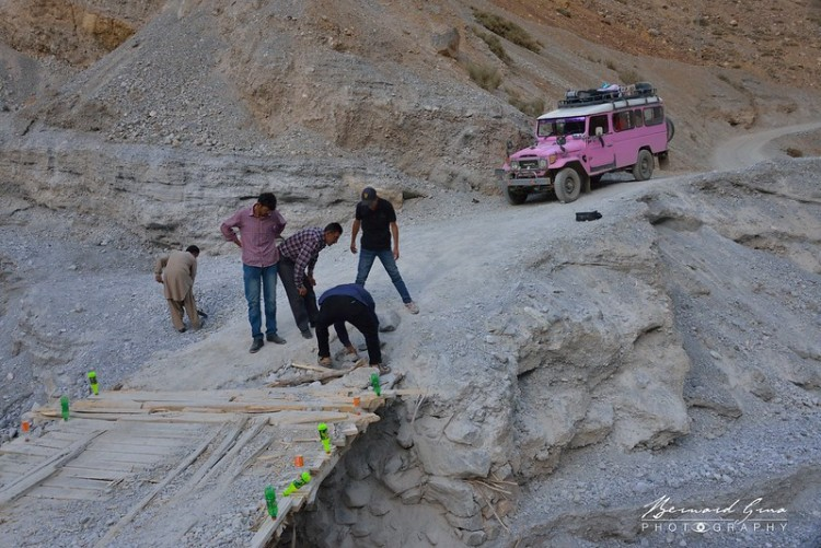 Chapursan Valley Travel Guide, Lost with purpose, Alex Reynolds. The dirt road leaving the Karakoram after Sost to reach the last village of Chapursan Valley is in poor condition. This bridge is in a very bad shape. Btter going there with a driver who has a local experience.